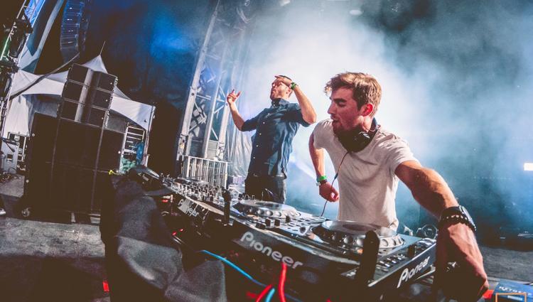 Fan Việt sắp có dịp hội ngộ 2 chàng DJ điển trai người Mỹ ngay trong tháng 9.