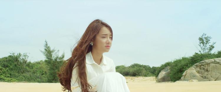 """Nhã Phương với hình ảnh trưởng thành hơn khi tham gia """"Hoán đổi"""" của đạo diễnVõ Thanh Hòa."""
