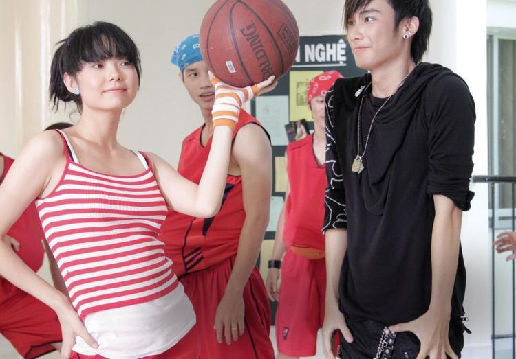 Nhờ vai diễn này, Minh Hằng giành được nhiều tình cảm của công chúng.