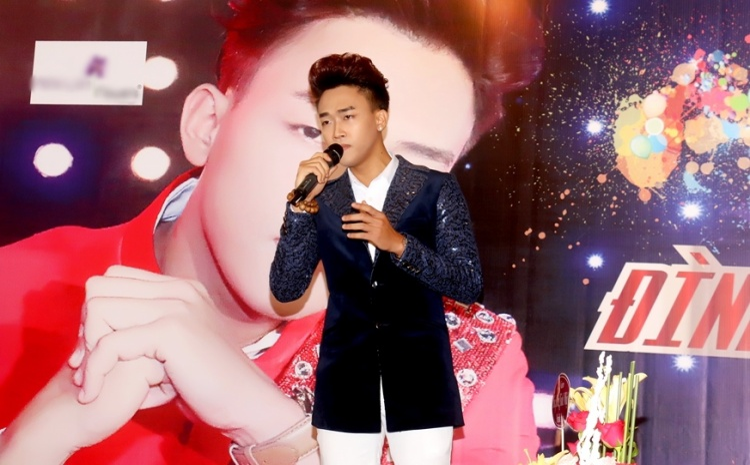 Thời gian qua, Đình Phước đãliên tục cho ra mắt nhiều sản phẩm âm nhạc: 10 album CD riêng và 1 album DVD mini concert.