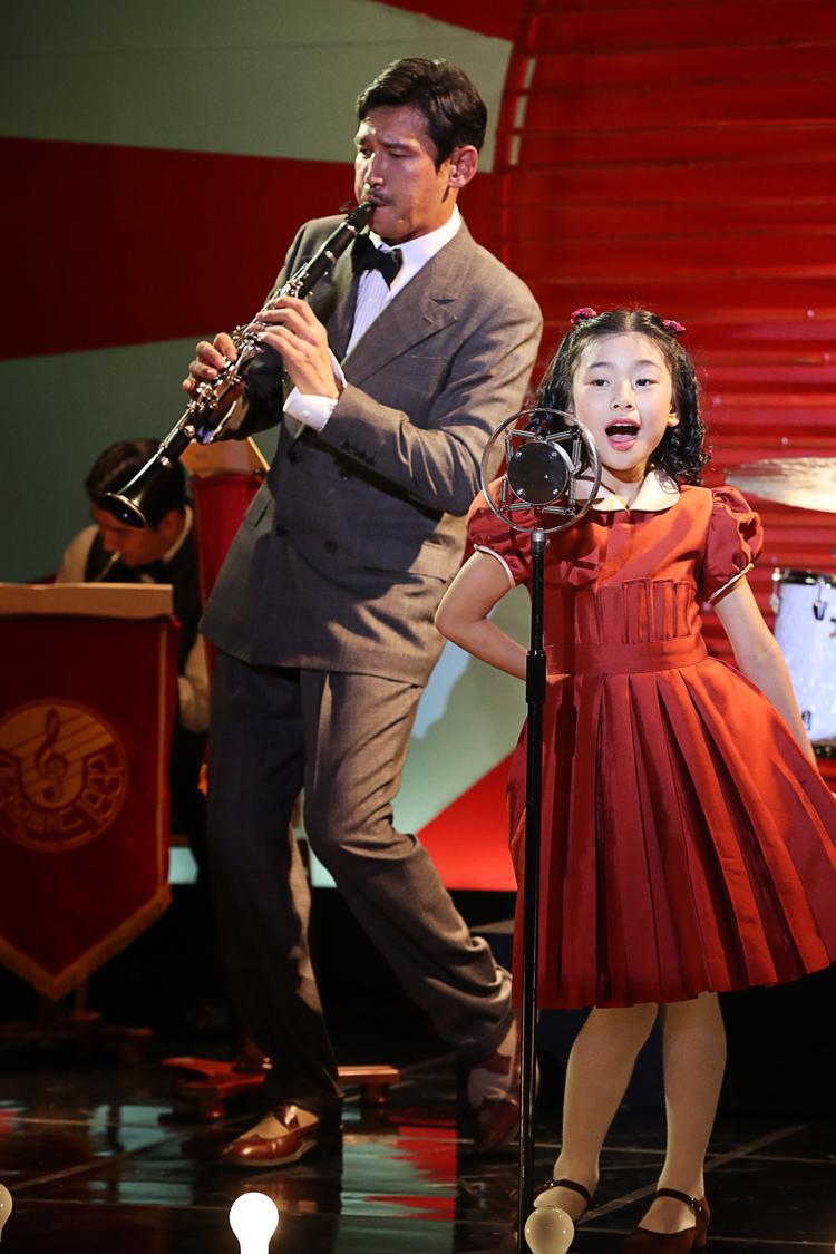 Khán giả tiếp tục bất ngờ trước diễn xuất đa dạng của cô nàng diễn viên nhí Kim SooAhn.