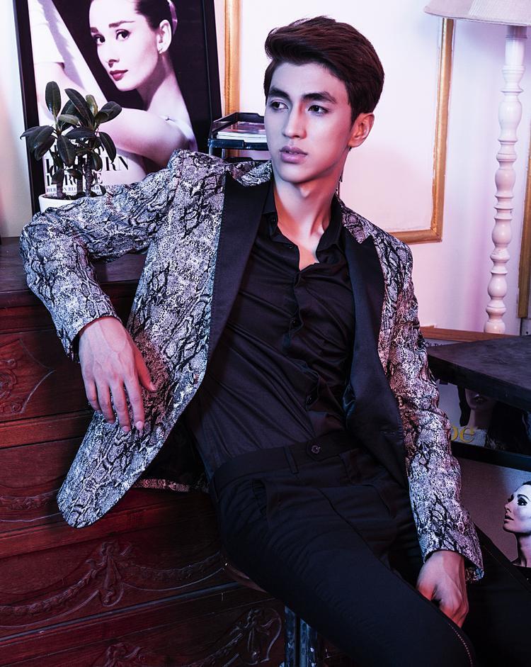 Trịnh Nam Phong - giám đốc sáng tạo của tạp chí thời trang Hermode.