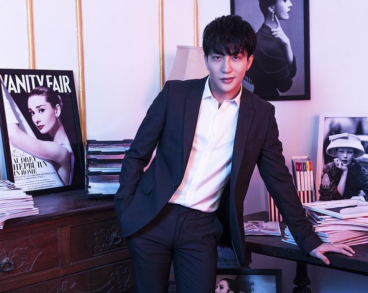 B Trần trong vai Minh Huy (phiên bản Việt của Kim Shin-Hyuk).
