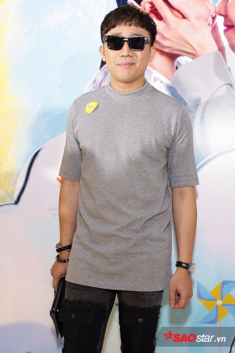 Trong năm 2017, Trấn Thành ít xuất hiện trên màn ảnh rộng để tập trung cho vai trò MC của mình, chính vì vậy sự trở lại của anh trong Nắng 2 đã thu hút sự quan tâm của khán giả.