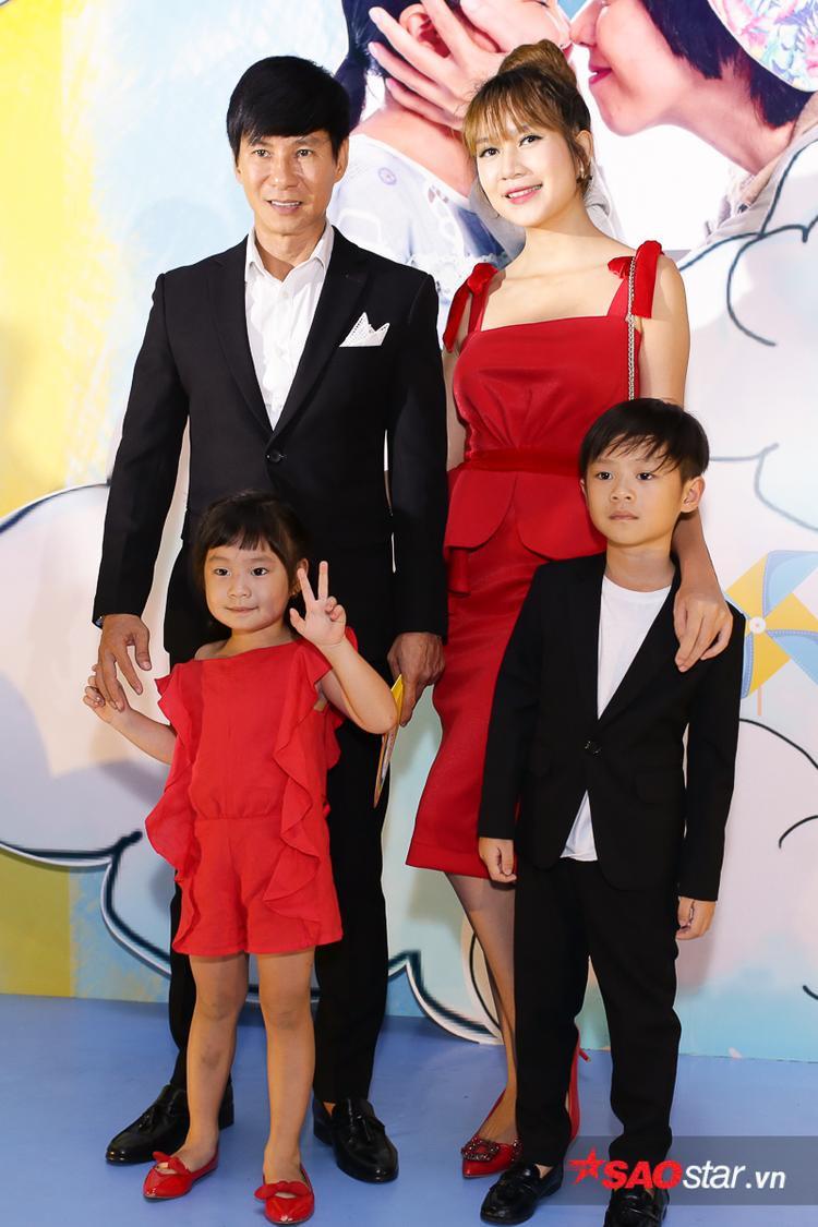 Vợ chồng Lý Hải - Minh Hà và các con.