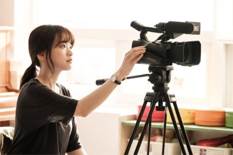 Đạo diễn Cheese In The Trap trở lại với phim về đề tài truyền thông, phóng viên