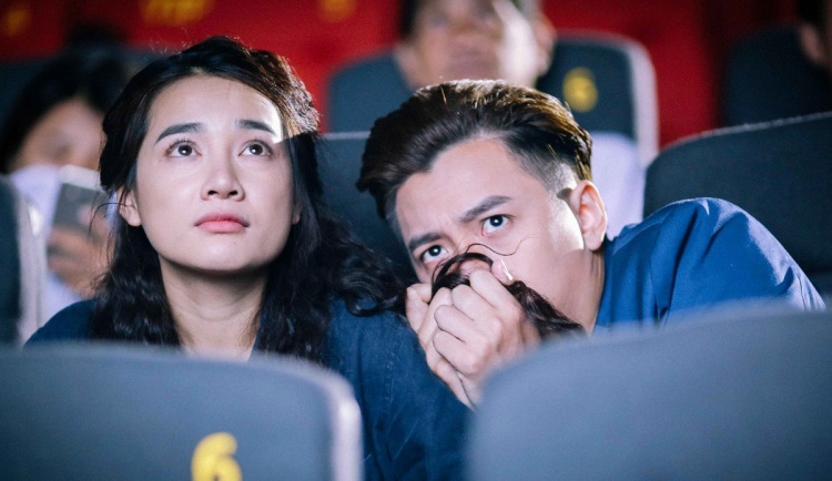 Sự nhút nhát của Tùng không chỉ tạo nên tình huống hài hước trong phim, mà còn là minh chứng cho tình yêu cặp đôi chính: sẵn sàng vượt qua nỗi sợ hãi để ở bên nhau.