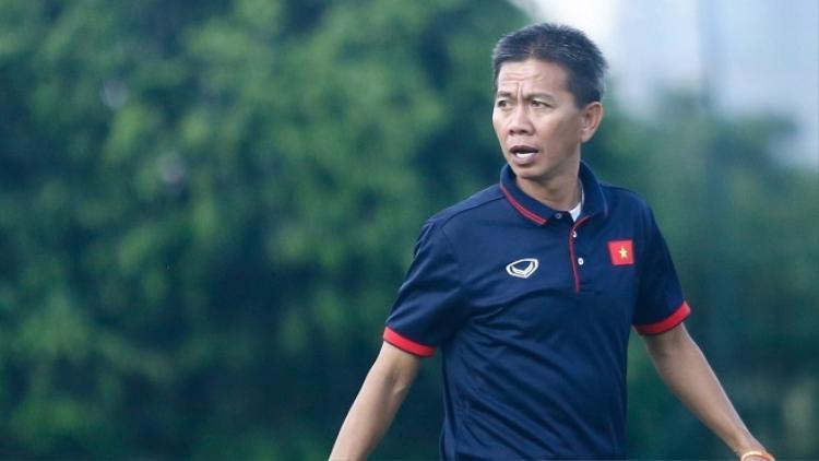 HLV Hoàng Anh Tuấn hiện đang dẫn dắt U18 Việt Nam tham dự giải ĐNÁ.
