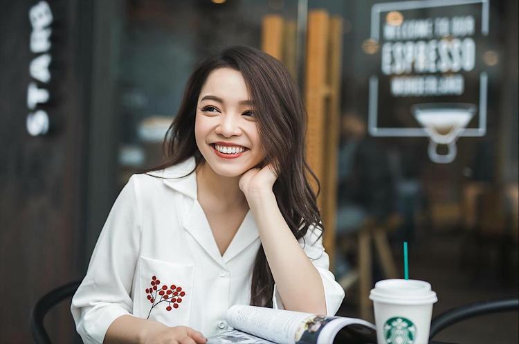 Trinh Phạm là chủ nhân của một kênh Youtube chuyên về làm đẹp với hơn 400k lượt theo dõi