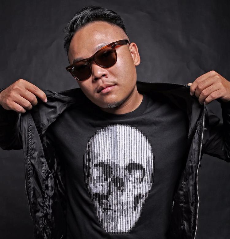 """Bên cạnh đó, cùng với Hoaprox, DJ nổi tiếngPhát Beatz cũng sẽ """"song kiếm hợp bích"""" để mang lại một màn dạo đầu """"nóng hừng hực"""" cho khán giả ngày 14/9 sắp tới."""