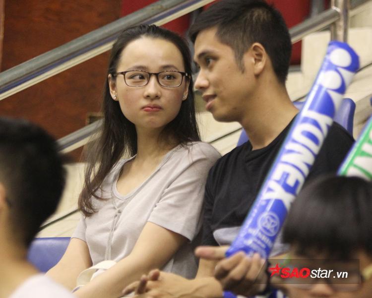 Người hâm mộ bàn luận về trận đấu của tay vợt Việt Nam.
