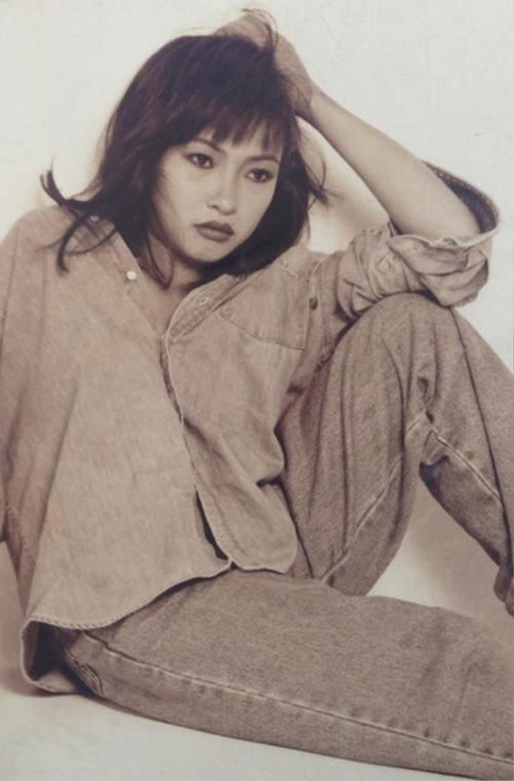 """Nữ ca sĩ Phương Thanh đã nhận lời tham gia liveshow của Lâm Khánh Chi, khi ấy tên tuổi của cô đang """"nổi đình nổi đám""""."""