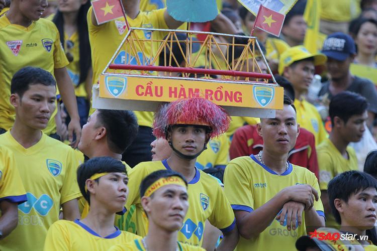 Hình ảnh ấn tượng của các CĐV Thanh Hóa.