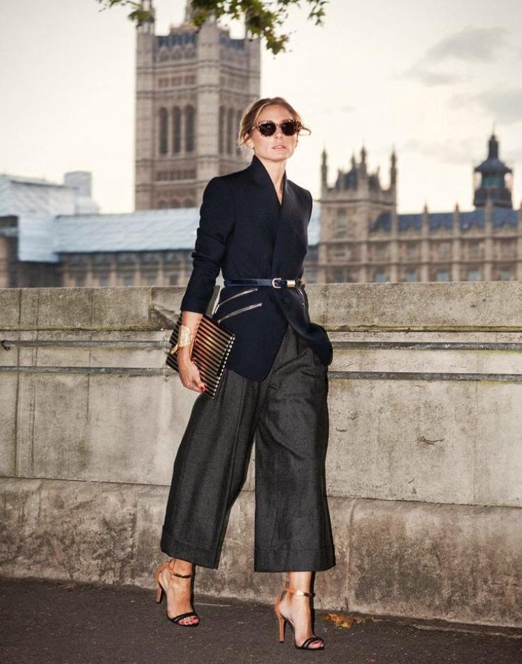 Vào mùa đông, quần suông vẫn có thể kết hợp cùng các loại áo khoác tạo nên một vẻ ngoài vô cùng thanh lịch