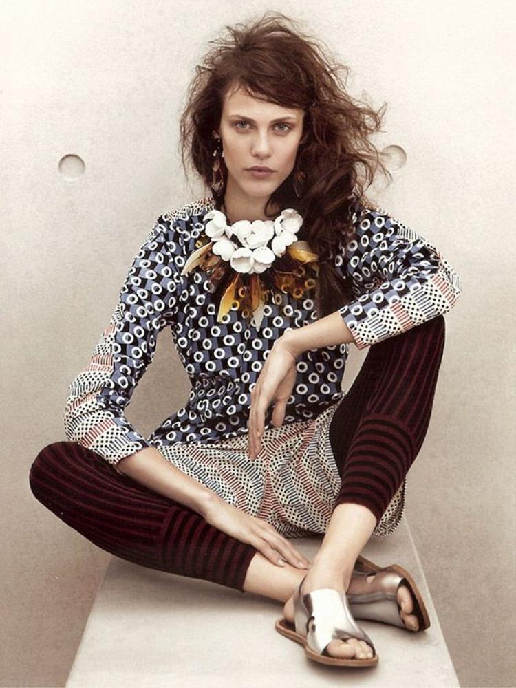 Các bà mẹ cho rằng bộ ảnh quảng cáo của H&M đang cổ vũ con họ bỏ ăn để sở hữu thân hình… toàn xương.