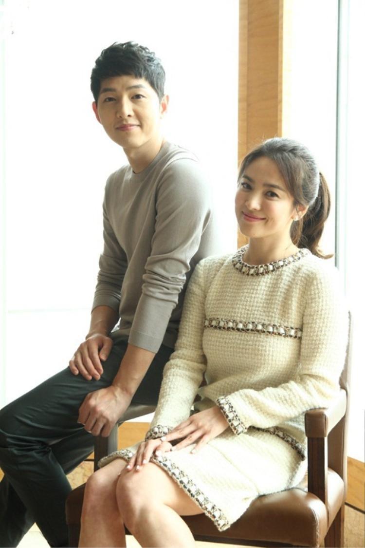 Tin tức Song - Song về chung một nhà gây chấn động làng giải trí xứ Hàn cũng như các nước khác trong châu Á.