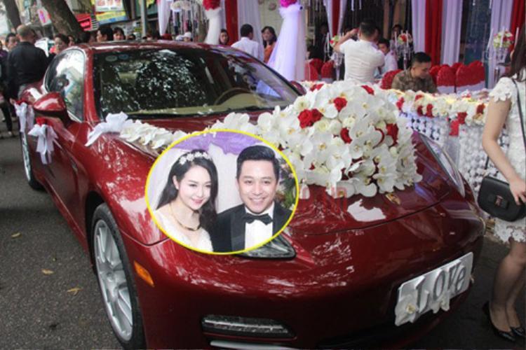 Trước đó, trong lễ cưới với bà xã Thu Hương, Tuấn Hưng đón dâu bằng chiếc Porsche Panamera Turbo màu đỏ có giá khoảng 10 tỷ đồng.