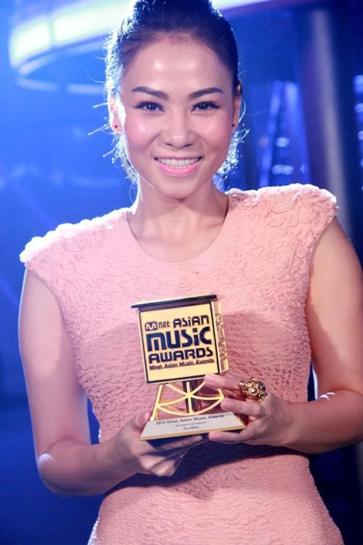 Thu Minh cũng là 1 trong những nghệ sĩ Vpop được fan mong mỏi xuất hiện tại nhà hát Hoà Bình tối 25/11 sắp tới.