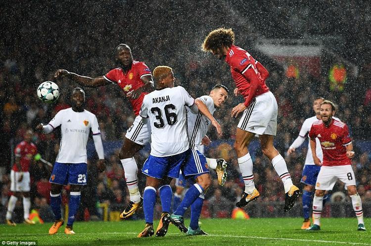 Trở lại trận đấu này, Fellaini được HLV Mourinho tung vào sân thay Pogba và anh lập tức tạo ra sự khác biệt với cú đánh đầu mở tỷ số ở phút 35.