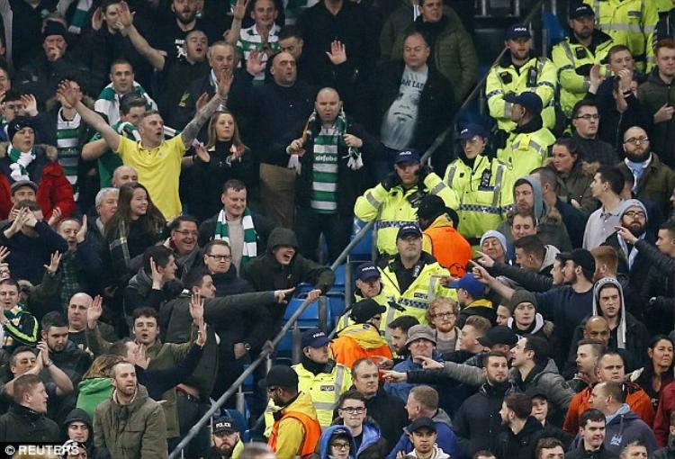 Celtic cũng không xa lạ với những án phạt kiểu thế này bởi trước đây, các fan của đội bóng Scotland từng nhiều lần làm loạn trên sân của khách, điển hình nhất là trong trận đấu với Man City tại Champions League mùa giải trước.
