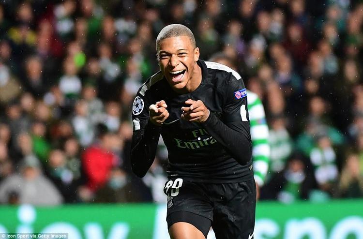 Mbappe mới chuyển đến PSG thi đấu theo dạng cho mượn từ Monaco kèm điều khoản mua đứt với giá 180 triệu bảng vào cuối mùa. Trong trận đấu với Celtic này, tiền đạo người Pháp đã ghi bàn nâng tỉ số lên 2-0 ngay phút 34. Đó cũng có thể là nguyên nhân dẫn đến việc fan cuồng muốn trút cơn thịnh nộ lên anh.