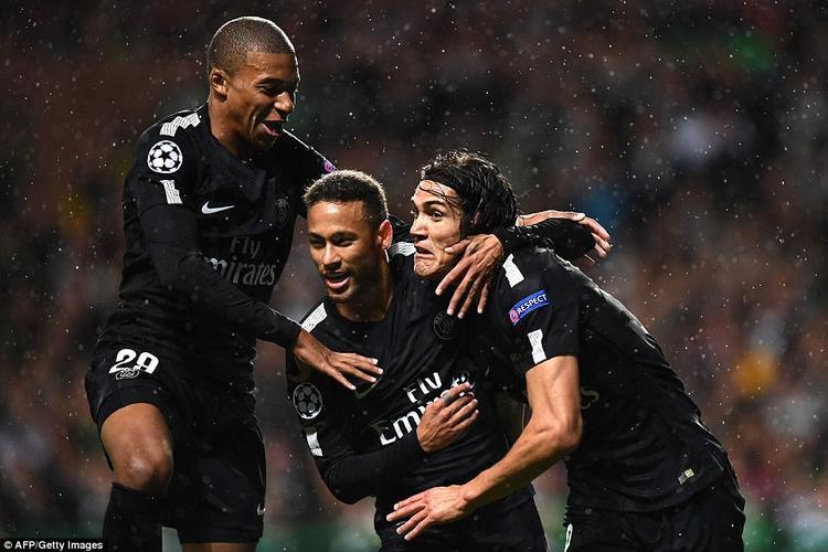 Neymar là một trong những ngôi sao chơi hay nhất của PSG ở trận đấu với Celtic. Không chỉ ghi bàn mở tỷ số, tiền đạo người Brazil còn kiến tạo để Mbappe ghi bàn thứ 2, góp phần quan trọng vào chiến thắng 5 sao của đội khách.