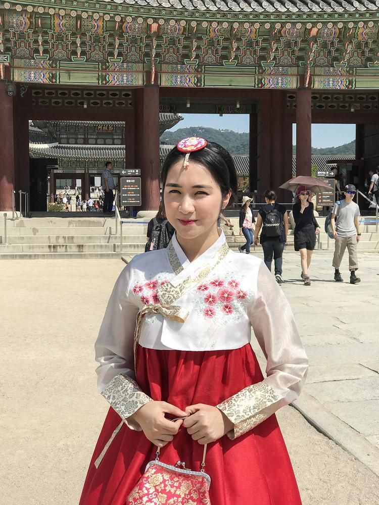 Hoà Minzy rủ trai đẹp khám phá cung điện Hàn Quốc trước thềm Cặp đôi hoàn hảo  trữ tình  bolero