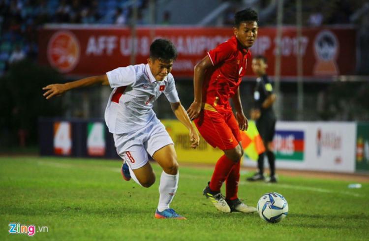 U18 Việt Nam (áo trắng) bị loại cay đắng. Ảnh: Zing.vn