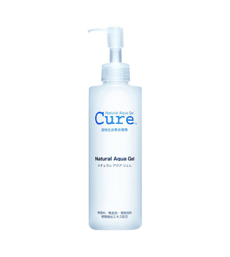 Tẩy da chết Cure Natural Aqua Gel là một sản phẩm tẩy da chết sinh học vô cùng dịu nhẹ dành cho da mặt