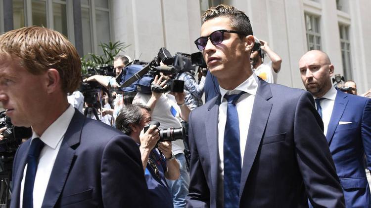 Ngôi sao Bồ Đào Nha đã quyết định thay đổi luật sư, và luật sư mới nhận bào chữa cho Ronaldo cũng là luật sư của Mourinho.