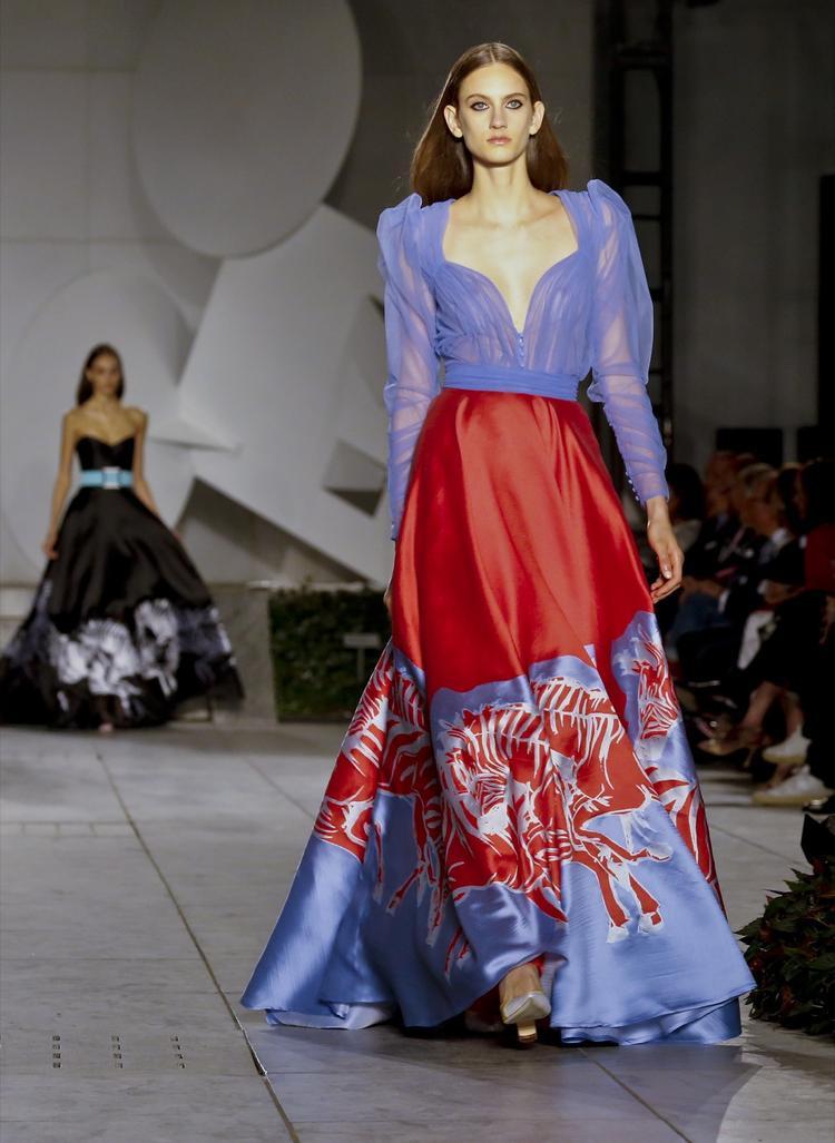 Một thiết kế từ BST Carolina Herrera