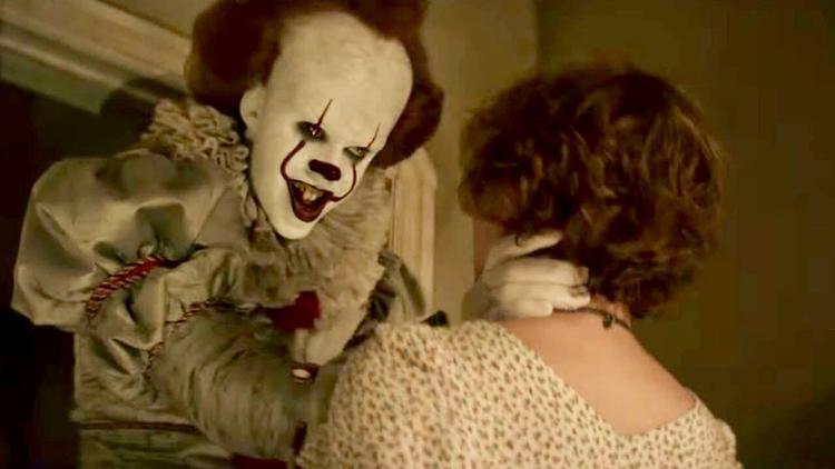Gã hề đâu phải kẻ ác duy nhất trong phim.