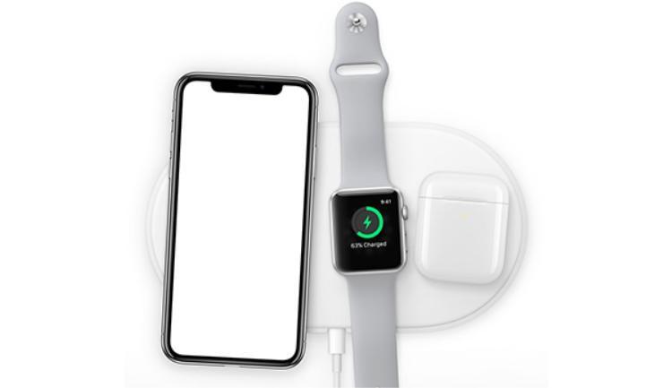 Starbucks có sẵn sạc không dây, cầm iPhone X, iPhone 8 ngồi cả ngày không cần mang sạc