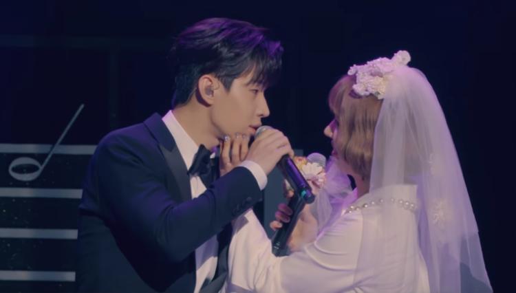 Henry  Sunny hóa cô dâu chú rể song ca cực ngọt trên sân khấu UI