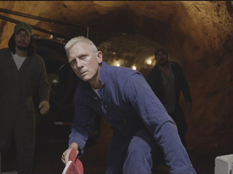 Khi Daniel Craig không là điệp viên 007