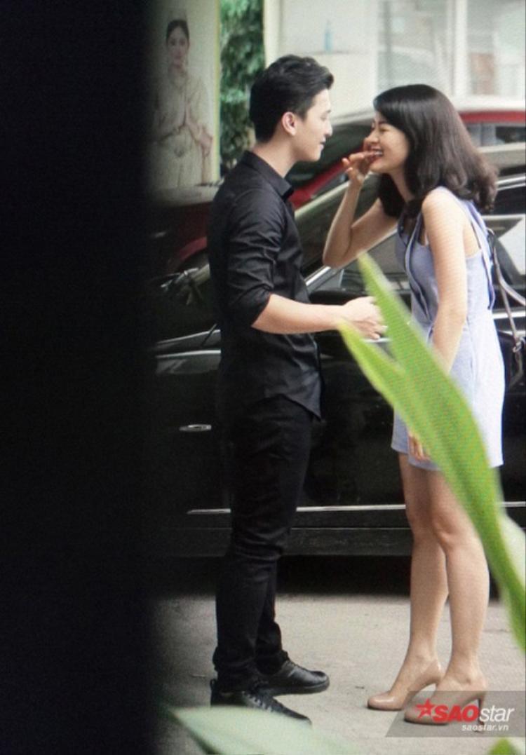 Hạ Vi thẳng thắn đáp trả anti-fan khi bị chê không bằng Hoàng Oanh, chẳng xứng với Huỳnh Anh