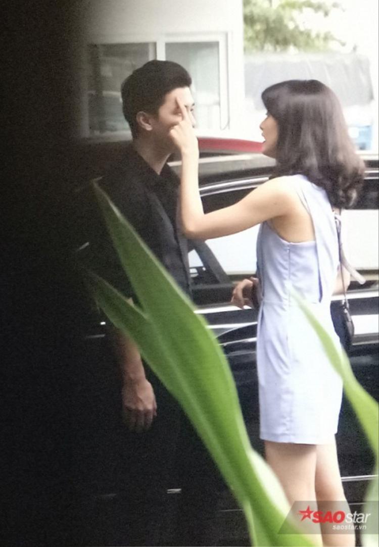 Loạt ảnh làm dấy lên nghi án hẹn hò của Huỳnh Anh - Hạ Vi.