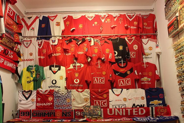 """Bộ sưu tập các kiểu áo thi đấu các trận chung kết tranh FA Cup, League Cup, Champion League, Cup Winner's Cup….của """"quỷ đỏ""""."""