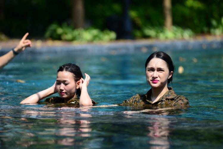 """Không biết Hương Giang có chuẩn bị """"concept"""" make-up cho nhiệm vụ dưới nước?"""