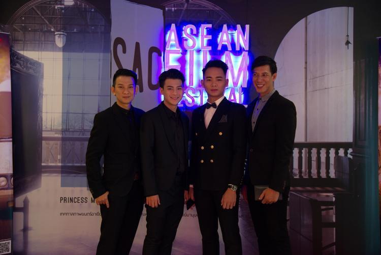 Đạo diễn Rony Hòa, diễn viên Châu Trọng Tài, Anh Tú và đạo diễn Thái Minh Nhiên tại Liên hoan phim ở Thái Lan.