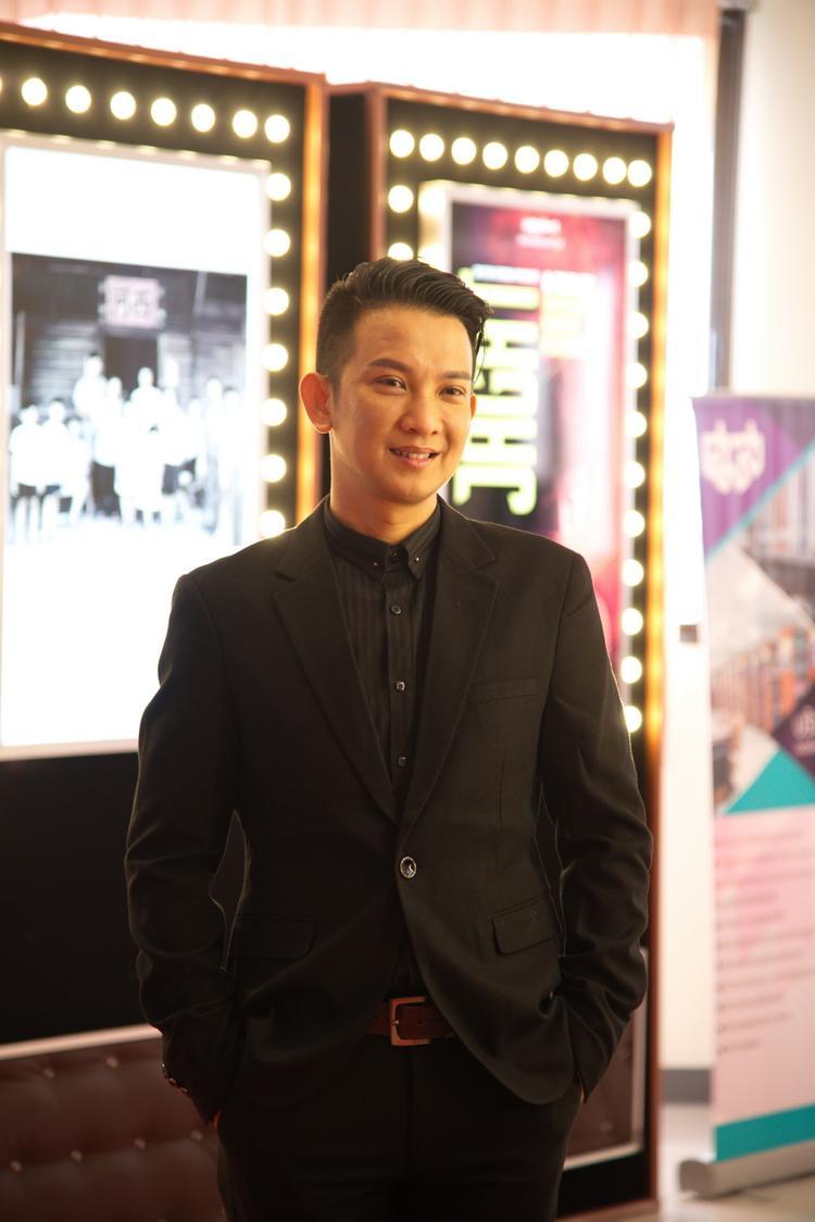 Đạo diễn Rony Hòa.