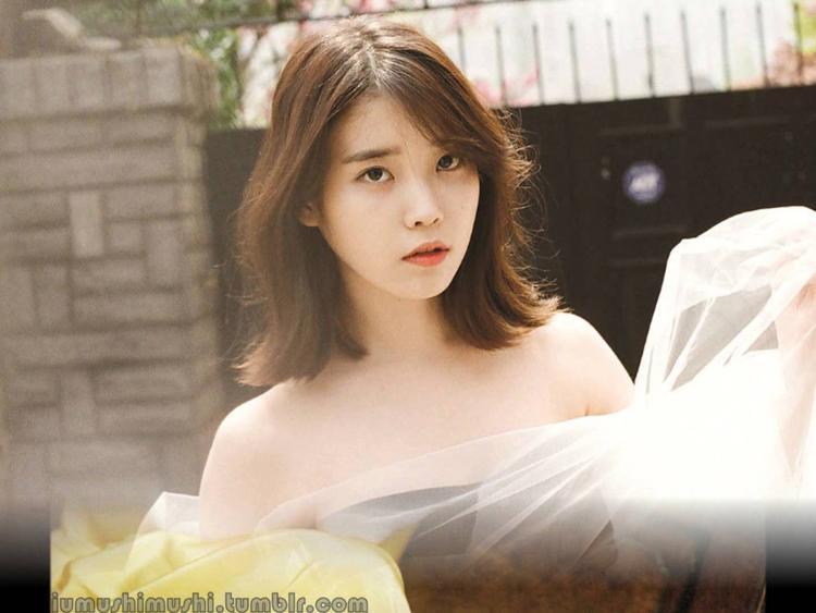 IU cực ngọt ngào trong hình ảnh quảng bá cho album kỷ niệm 9 năm debut.