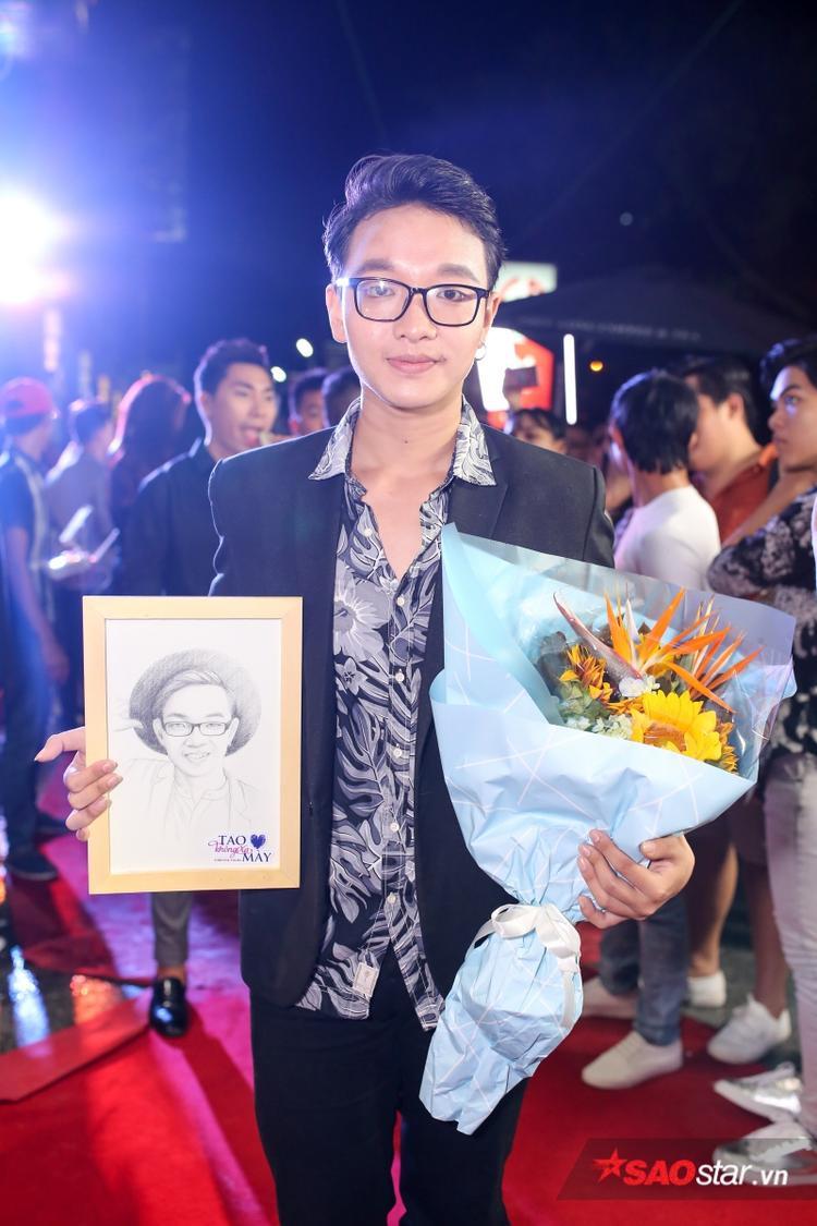 Hoàng Dũng (The Voice) đảm nhận nhạc phim với ca khúc Yếu đuối.
