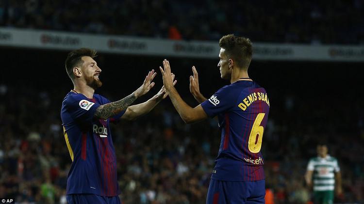 Sang hiệp 2, Messi tiếp tục 'hủy diệt' mành lưới Dmitrovic với thêm 3 bàn thắng nữa.