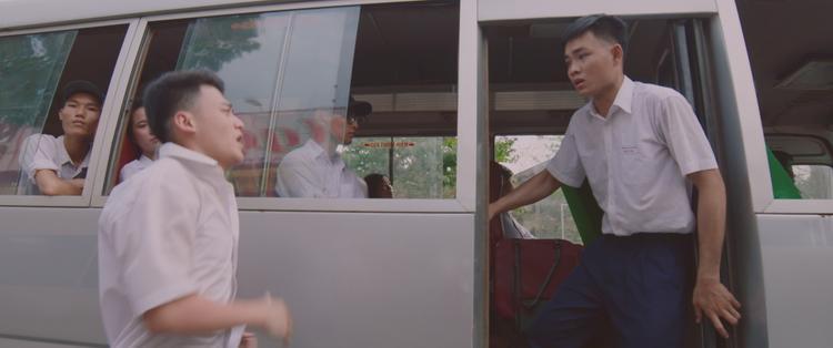 Những thước phim tình cảm dễ thương của 2 chàng trai trong Tao không xa mày