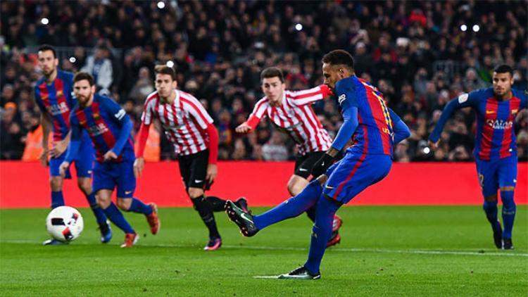 Messi sẵn sàng nhường Neymar đá 11m ở Barca.