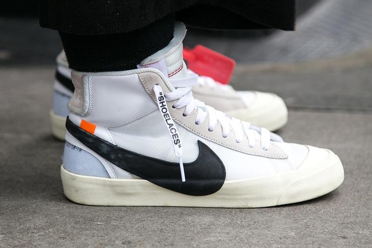 Một con cưng khác của hai ông lớn Nike x Off-White cũng được hiện diện tại LFW.Chỉ cần diện trang phục sắc đen đơn giản cũng đủ thu hút cánh săn ảnh.