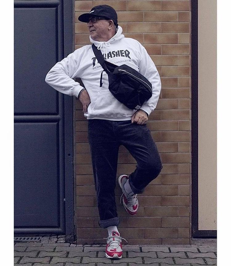 BST sneaker của ông đều không thiếu những đôi từ basic cho tới hypebeast như nike air max cho đến adidas yeezy boost.