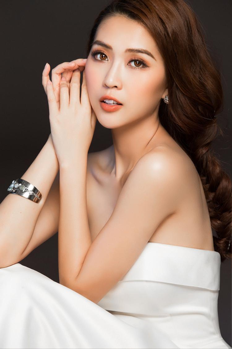 Đặc biệt, vào ngày 23/9, Tường Linh cũng sẽ có buổi họp fan. Tại đây, người đẹp sẽ chia sẻ nhiều thông tin cũng như tiết lộ nhiều câu chuyện thú vị về quá trình chuẩn bị cho cuộc thi.