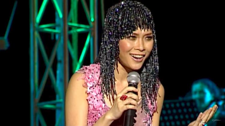Thích thú với mái tóc Mỹ Tâm xài hơn 10 năm trước được tái sử dụng bởi Katy Perry
